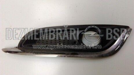 Grila proiector ceata cu crom stanga Opel Insignia facelift 22787049