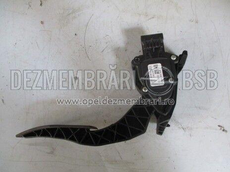 Pedala acceleratie Opel Zafira C 13253781