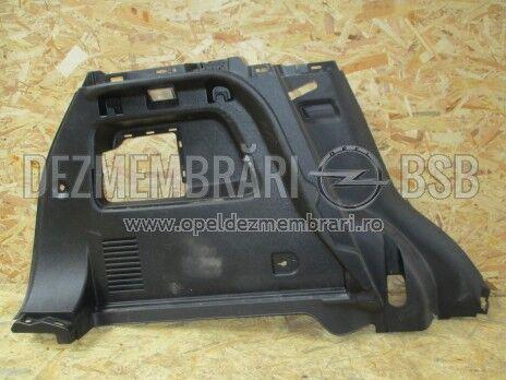 Panou ornament lateral negru stanga Opel Mokka 95131263, 95129552, 95190819