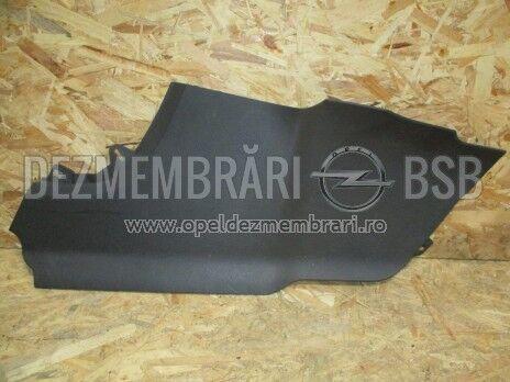 Capac extensie consola galerie fata dreapta Opel Zafira C  20892702, 13293546, 13352025