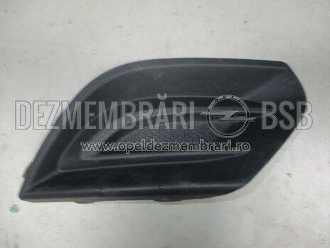 Grila proiector dreapta Opel Corsa E 13399258